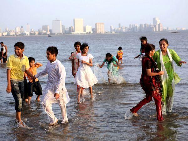 mumbai chowpatty beach