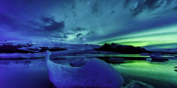 o AURORA BOREALIS ICELAND facebook e