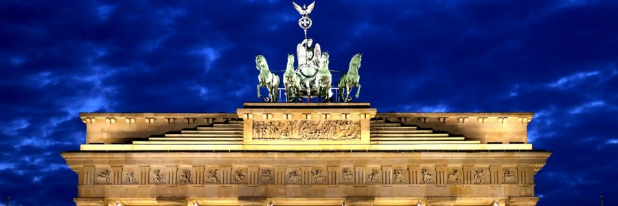 brandenburg gate   e