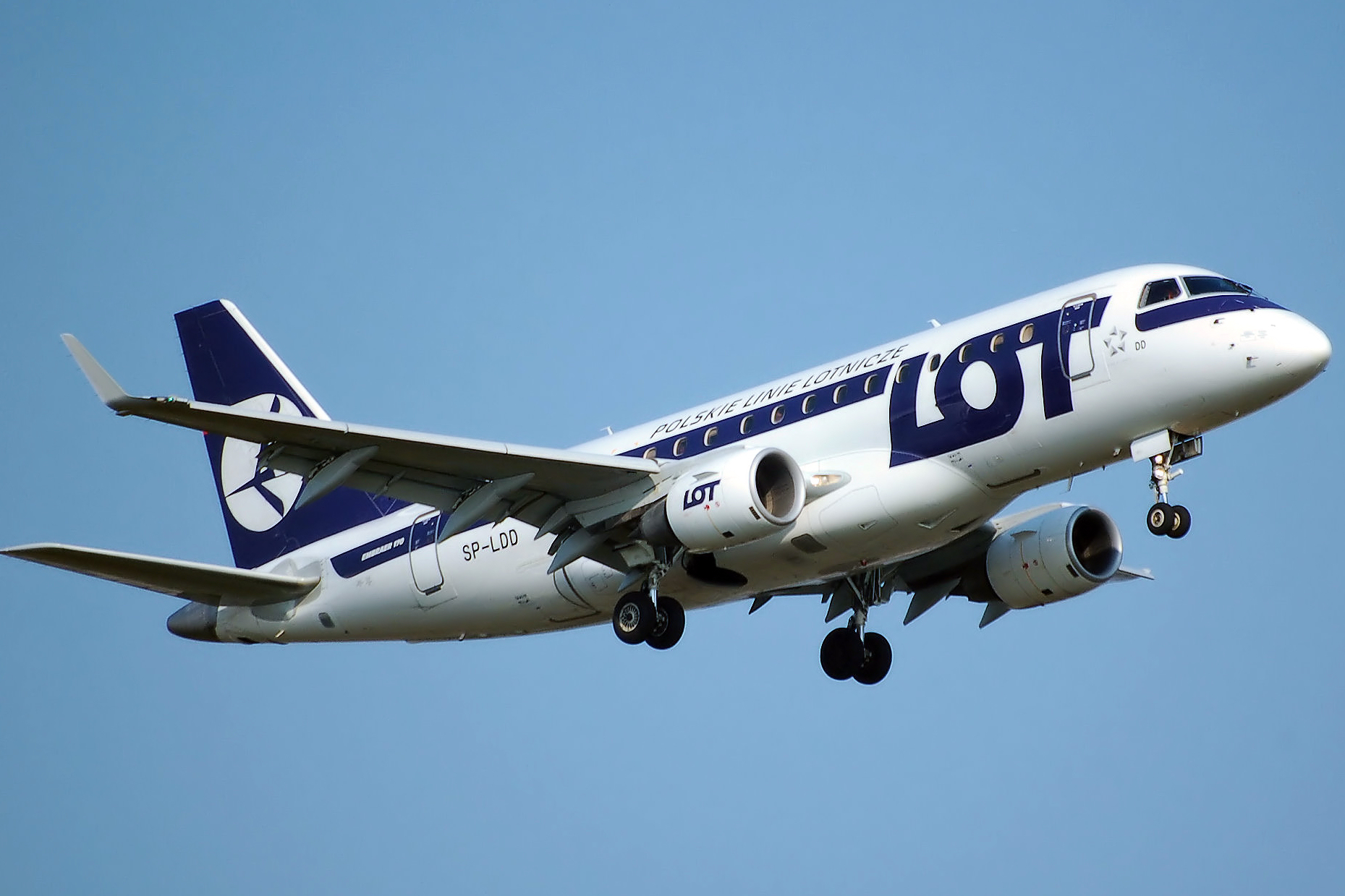 lot airlines sale 20 off on all flights from poland travelfree