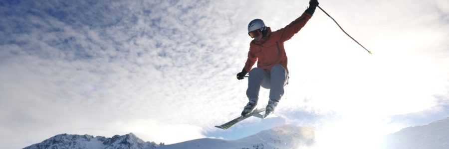 Skiing alps