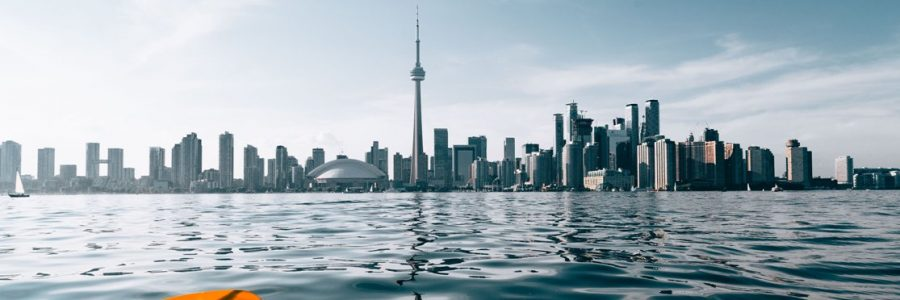 toronto_paddling-by-city-skyline_4460x4460