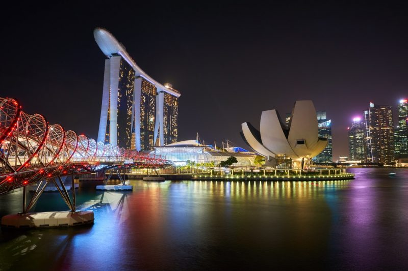 Singapore_attraction-bay-1842332